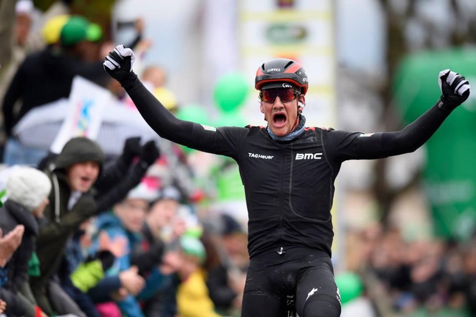 Stefan Kung vince la seconda tappa del Tour de Romandie 2017