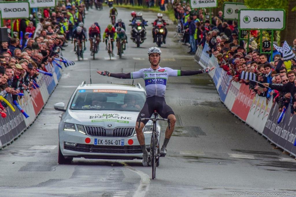 Elie Gesbert vince la sesta tappa del Tour de Bretagne