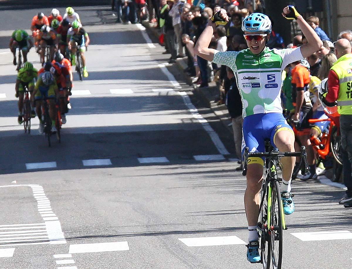 Andrea Bagioli vince in casa sul traguardo di Cantù