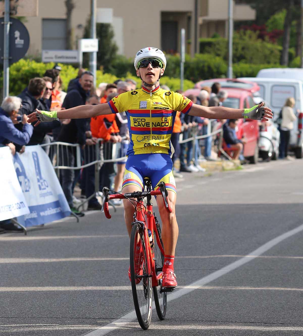 La vittoria di Yuri Carroni ad Olgiate Molgora (foto Soncini)