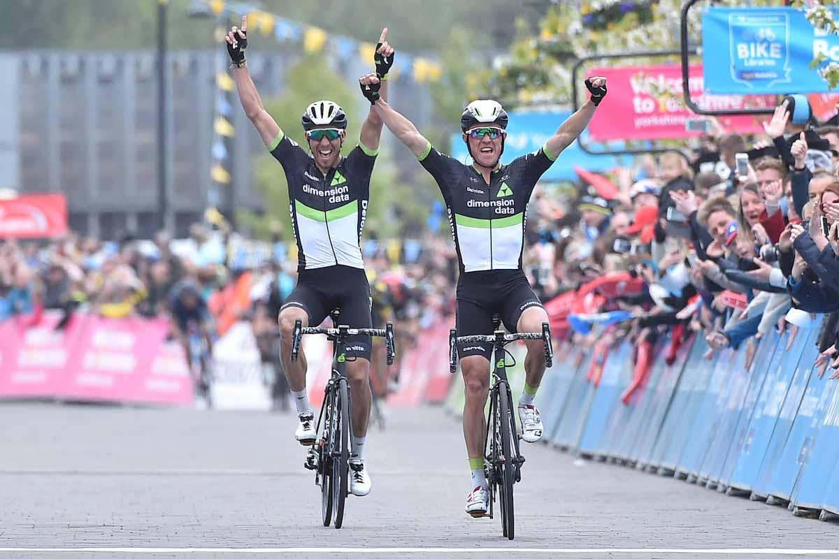 Serge Pauwels e Omar Fraile in parata nell'ultima tappa del Tour de Yorkshire 2017