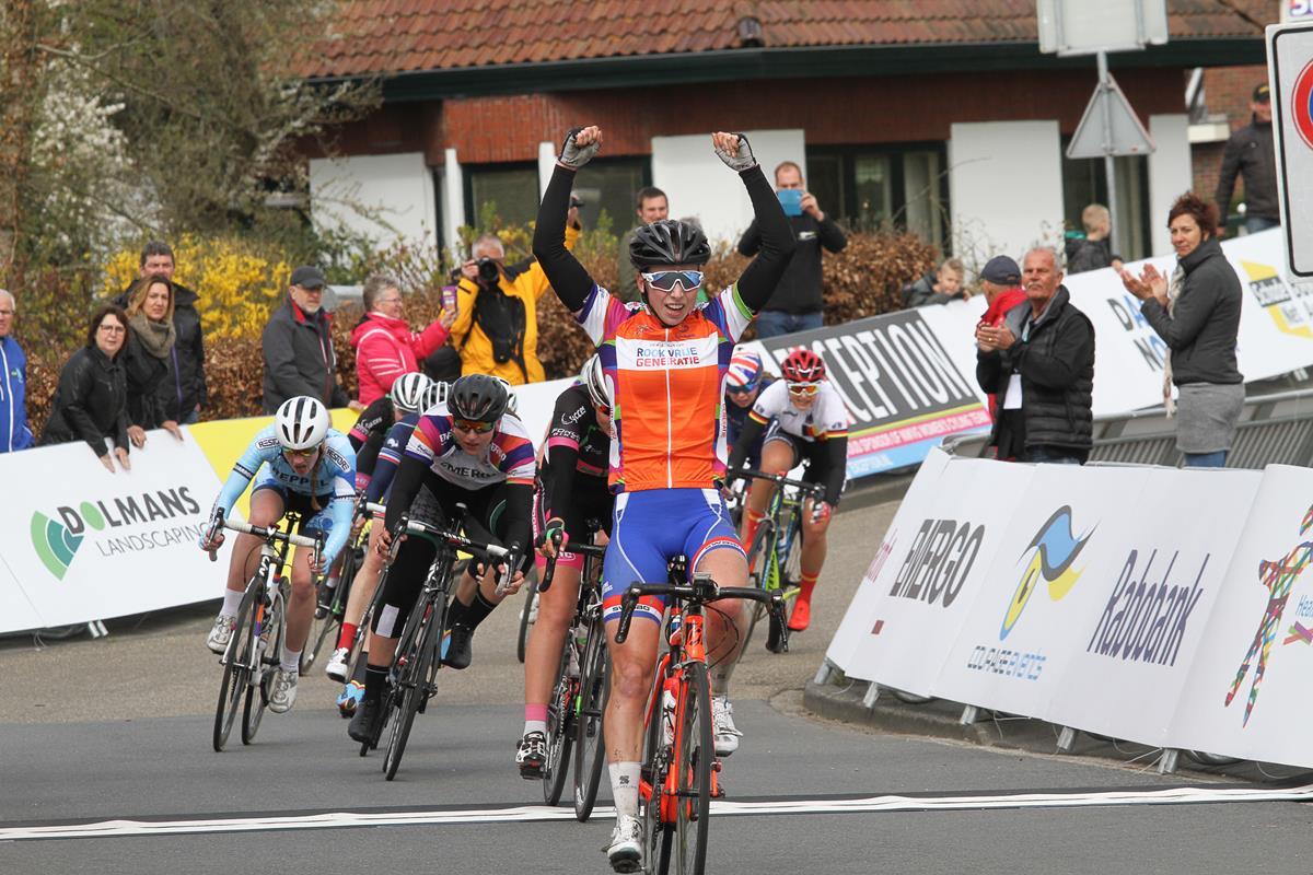 Lorena Wiebes vince la seconda tappa dell'Healthy Ageing Tour Donne Junior 2017