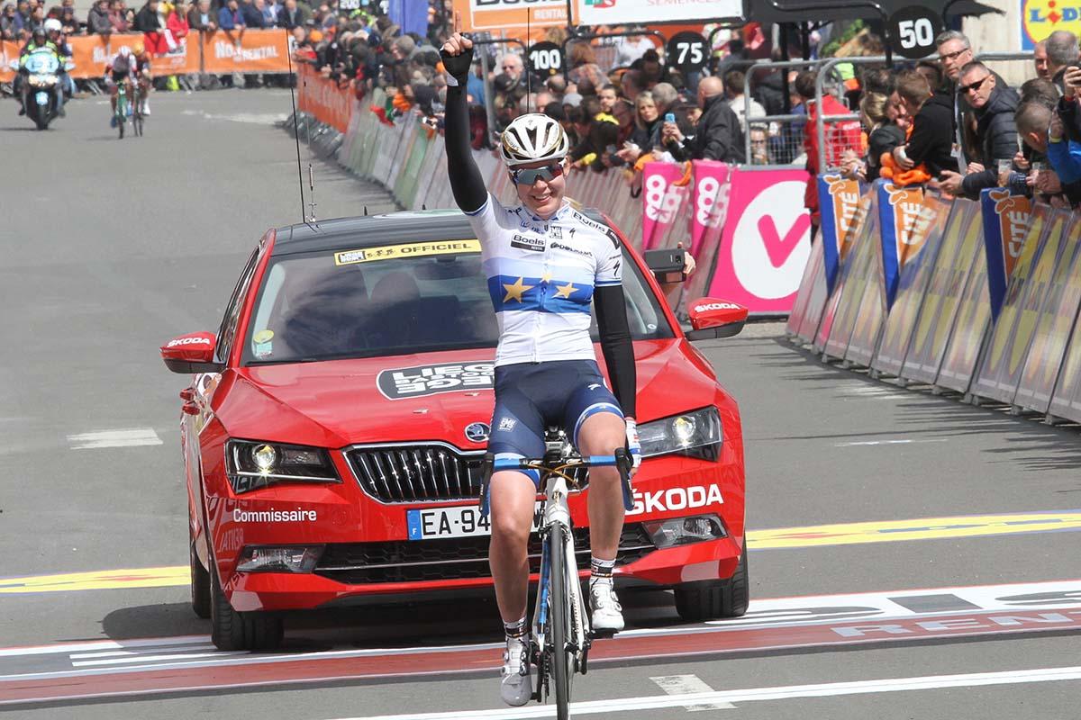 Anna van der Breggen vince la Liegi-Bastogne-Liegi femminile