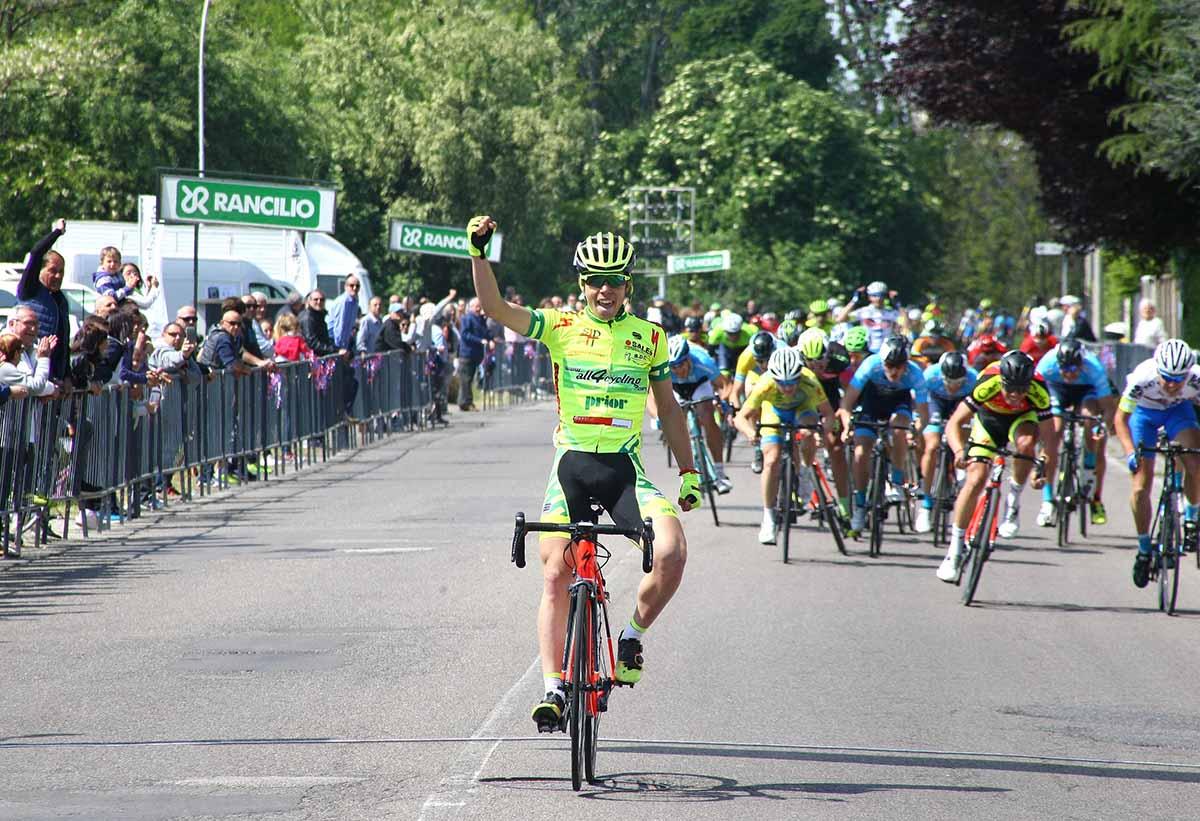 Luca Colnaghi vince la 64/a Coppa Caduti di San Lorenzo (foto Berry)