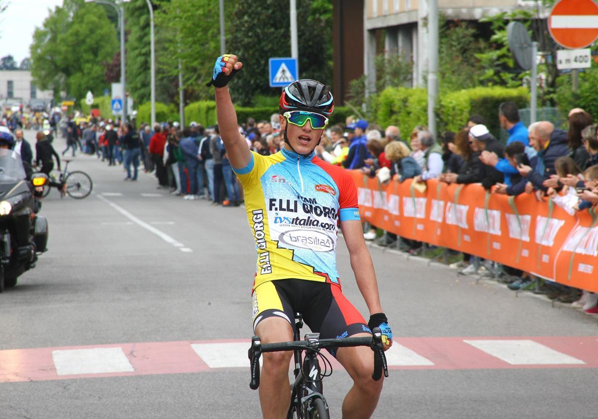 La vittoria di Alessio Martinelli a Ponte San Pietro (foto Berry)