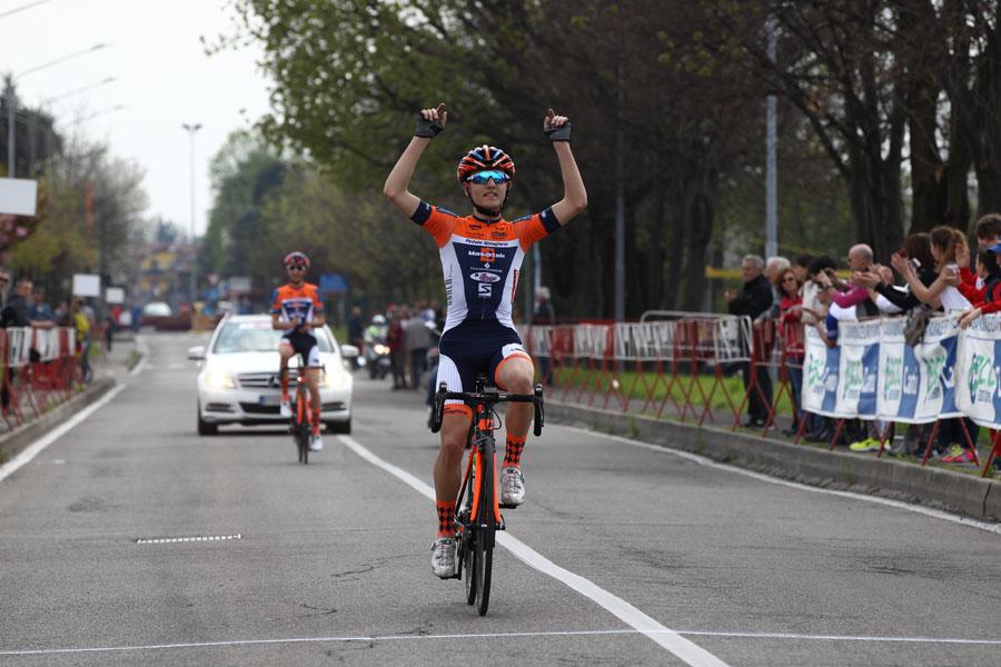 La vittoria di Francesco Galimberti a Mariano Comense (foto Giuliano Viganò)