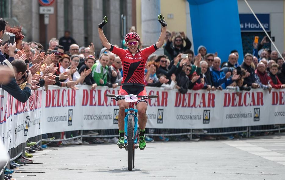 Linda Indergand vince la prova femminile del Trofeo Delcar 2017