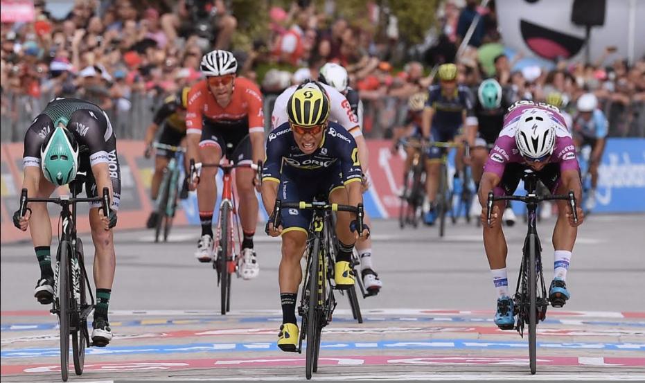 Caleb Ewan al fotofinish vince ad Alberobello la settimana tappa del Giro d'Italia 2017