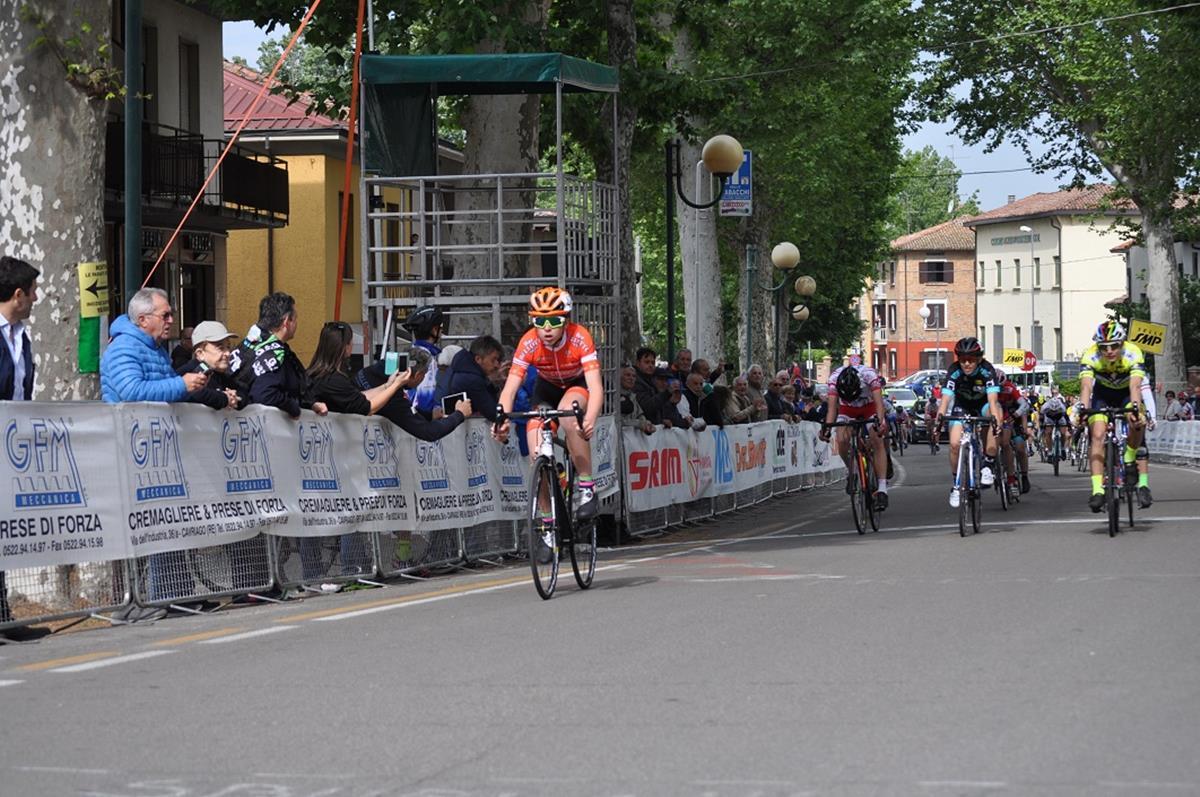 Filippo Ricci vince la gara Esordienti 1° anno di Praticello di Gattatico