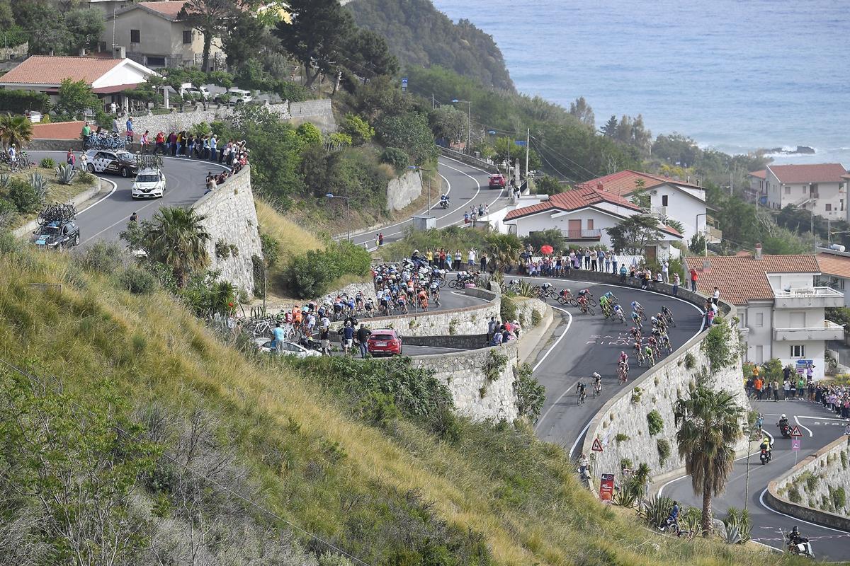 Il gruppo sulle strade della Calabria