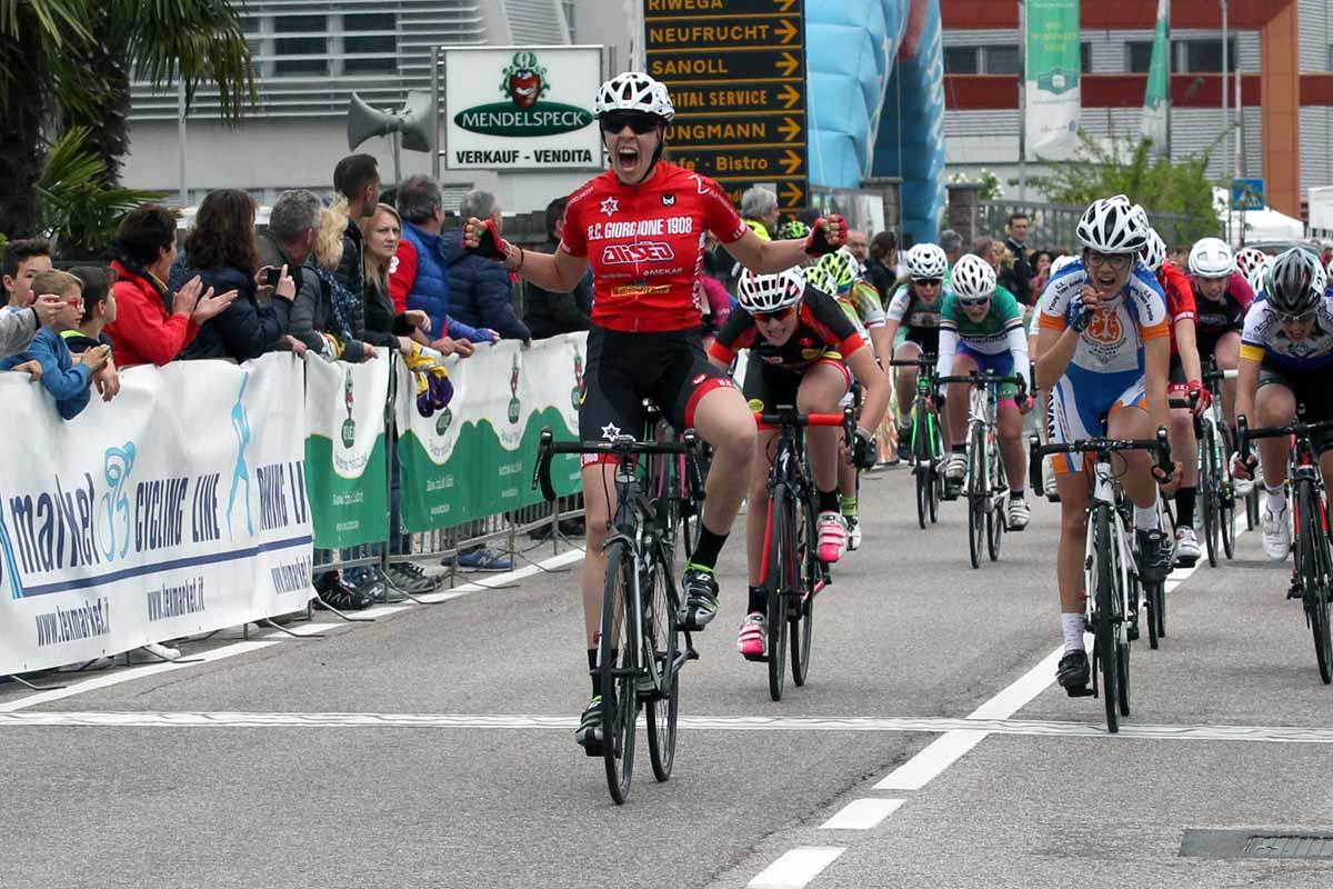 Elena Contarin vince la gara Donne Esordienti di Egna