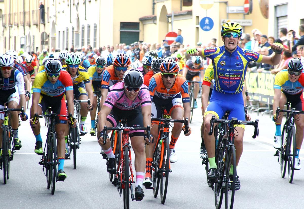 Christian Bagatin vince a Robecco sul Naviglio