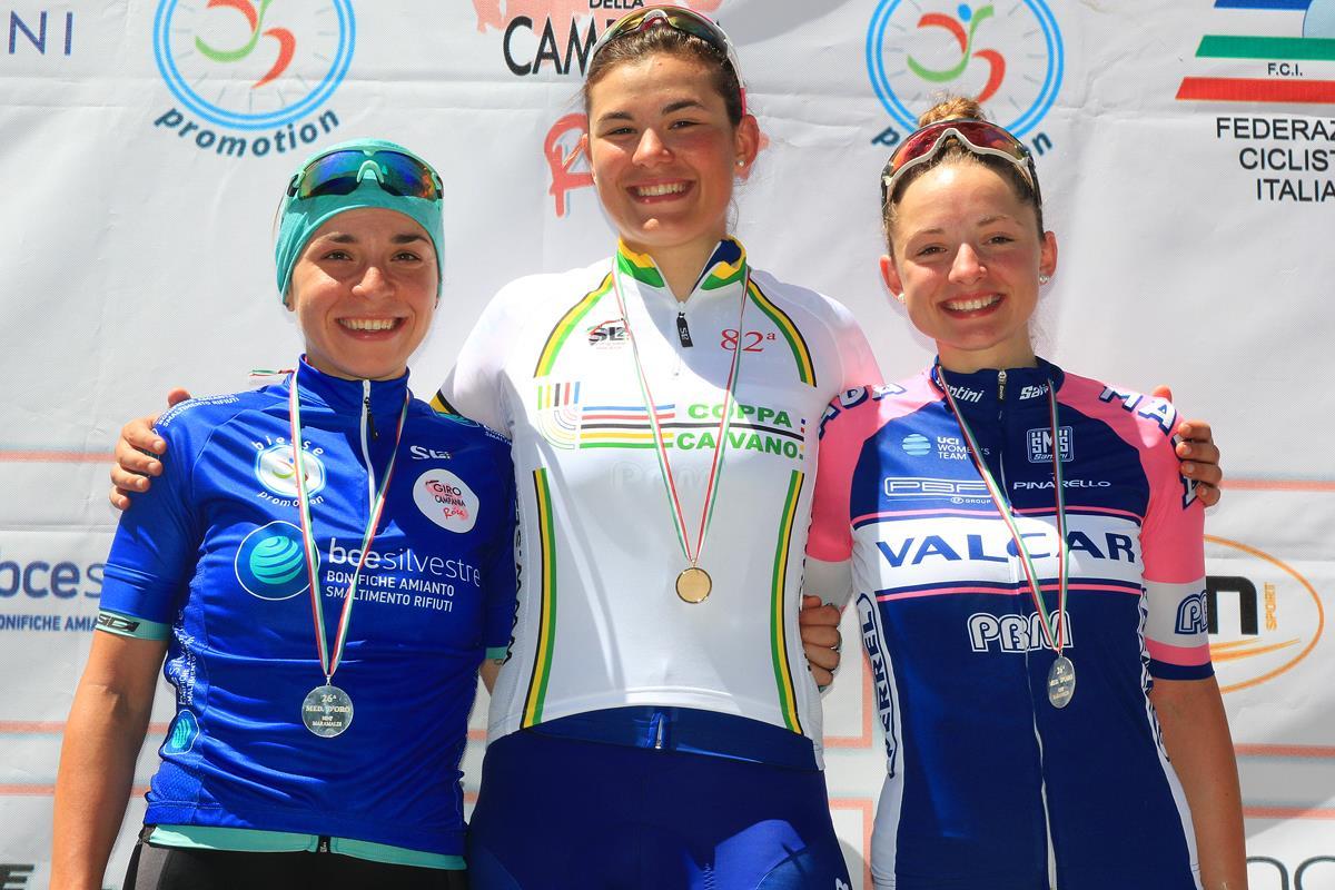 Il podio della 82/a Coppa Caivano vinta da Claudia Cretti valida quale ultima prova del Giro della Campania in Rosa 2017