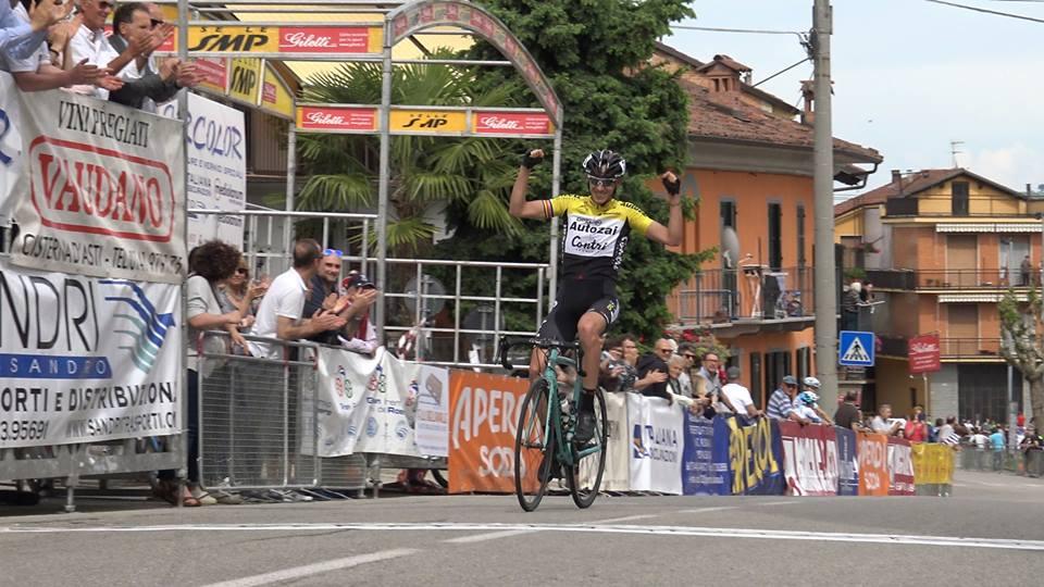 Filippo Zana vince il 13° Gp del Roero La Primavera dei Campioni