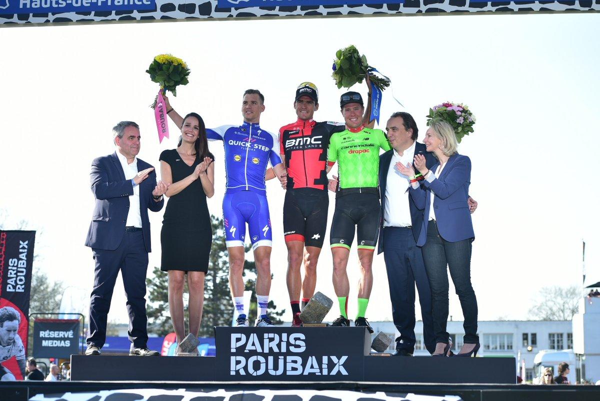 Il podio della Parigi-Roubaix 2017