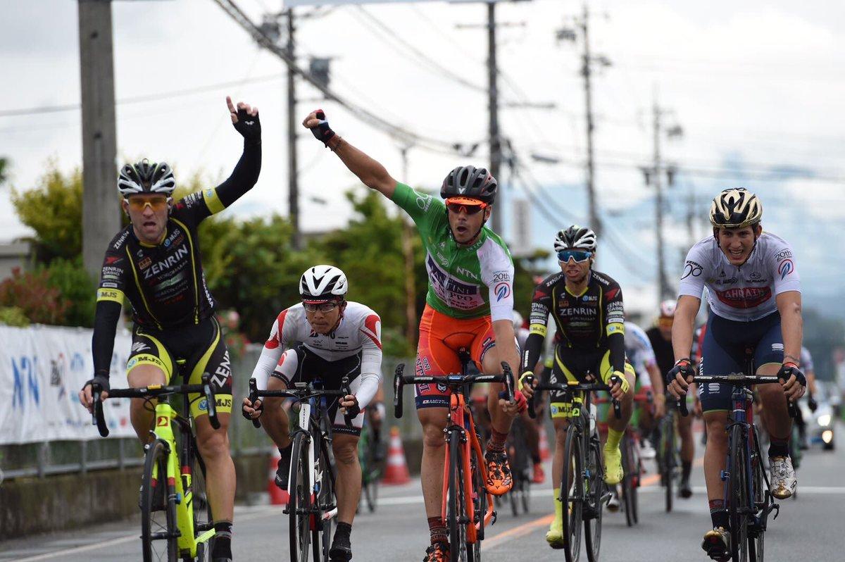 Tris di Marco Canola nella quinta tappa del Tour of Japan 2017