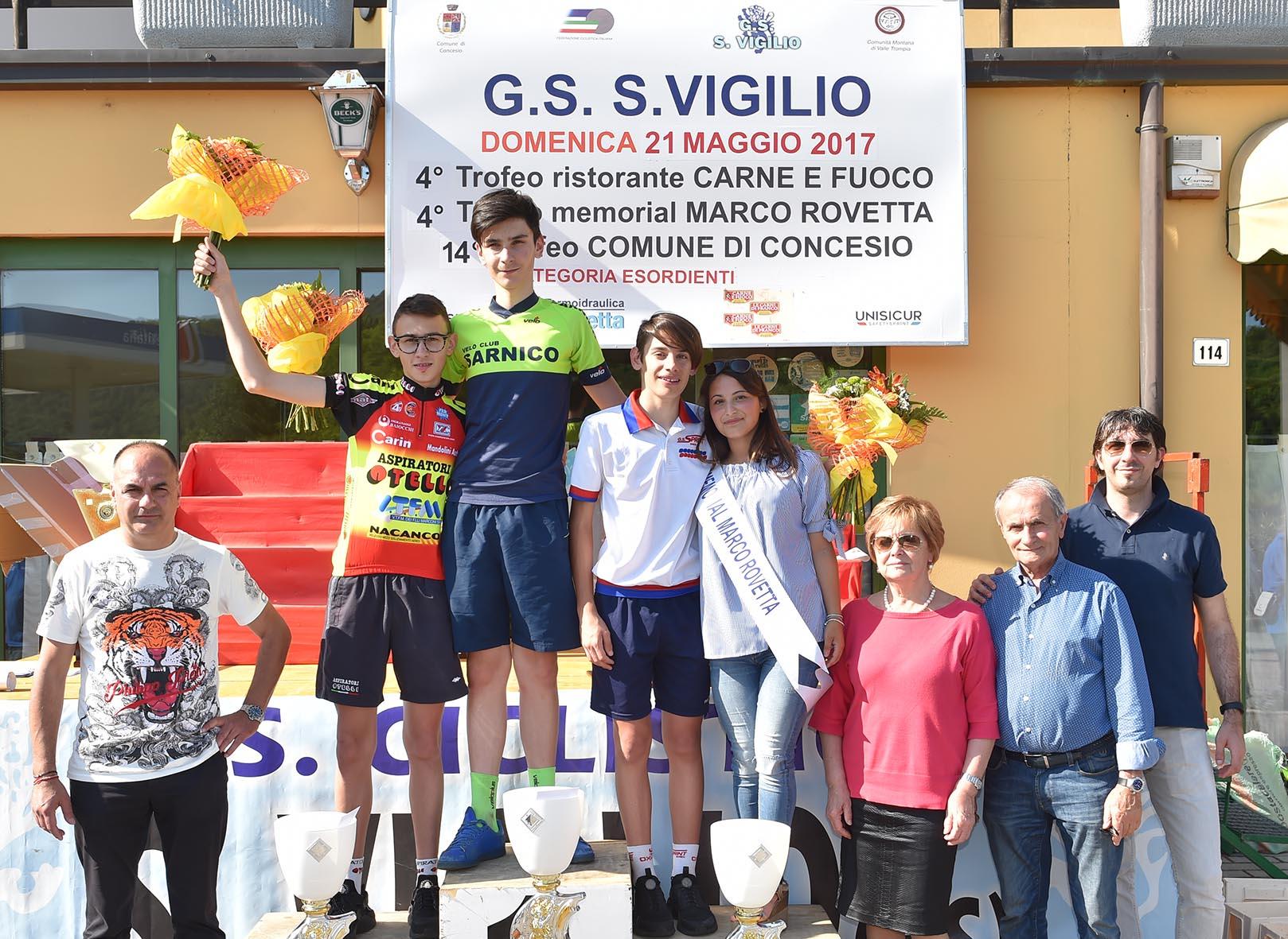Il podio della gara Esordienti 2° anno di San Vigilio di Concesio vinta da Lino Colosio