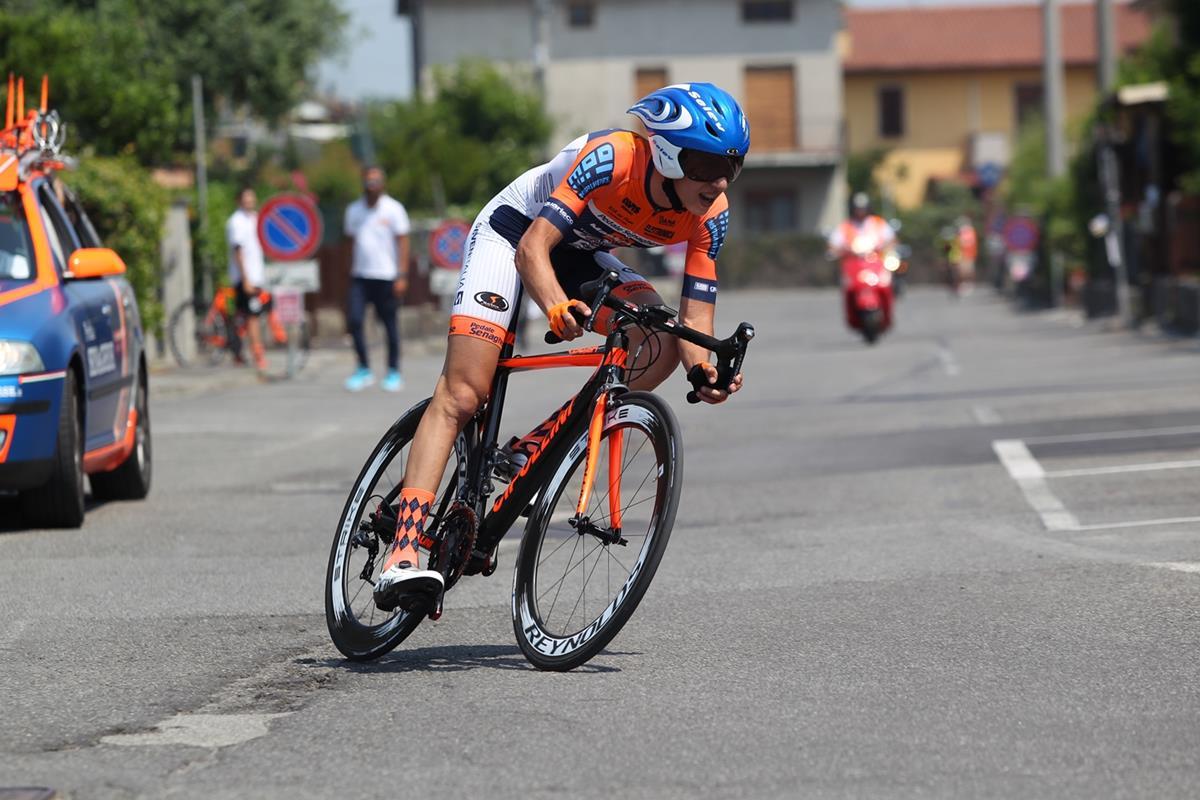Andrea Piccolo vince la crono Allievi di Ospitaletto