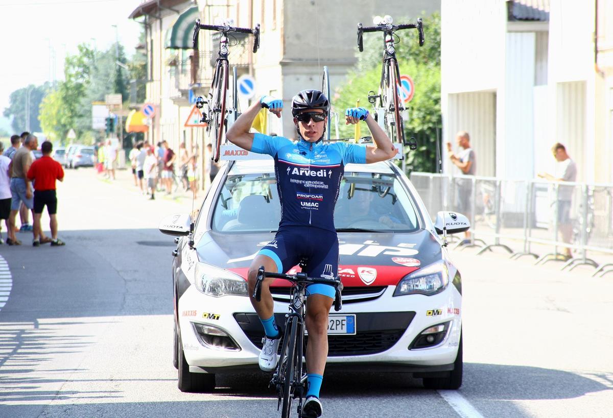 Luca Rastelli vince a Livraga