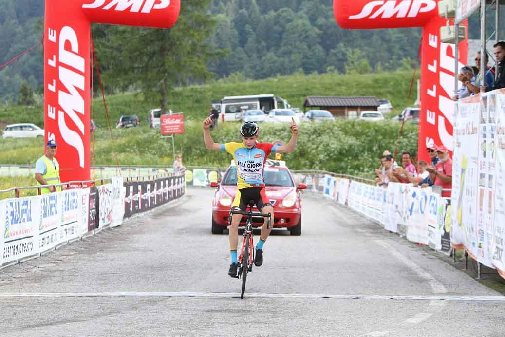 Karel Vacek vince sullo Zoncolan la terza tappa del Giro del Friuli Juniores 2017