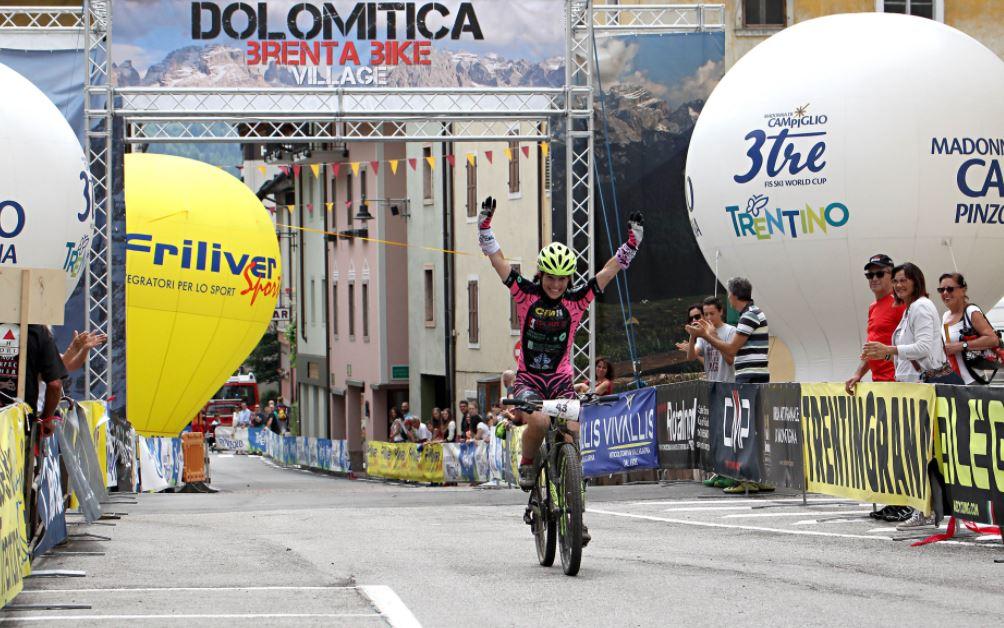 Simona Mazzucotelli vince la Dolomitica Brenta Bike