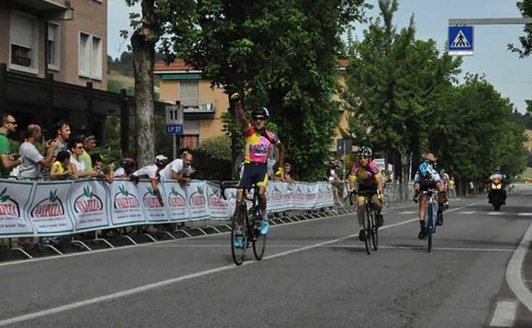 Marco Viola vince la gara Esordienti 1° anno del Gp Monteveglio