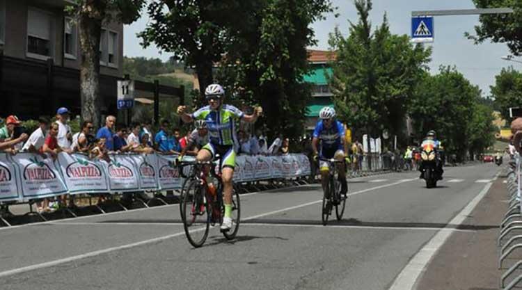Florian Samuel Kajamini vince la gara Esordienti 2° anno del Gp Monteveglio