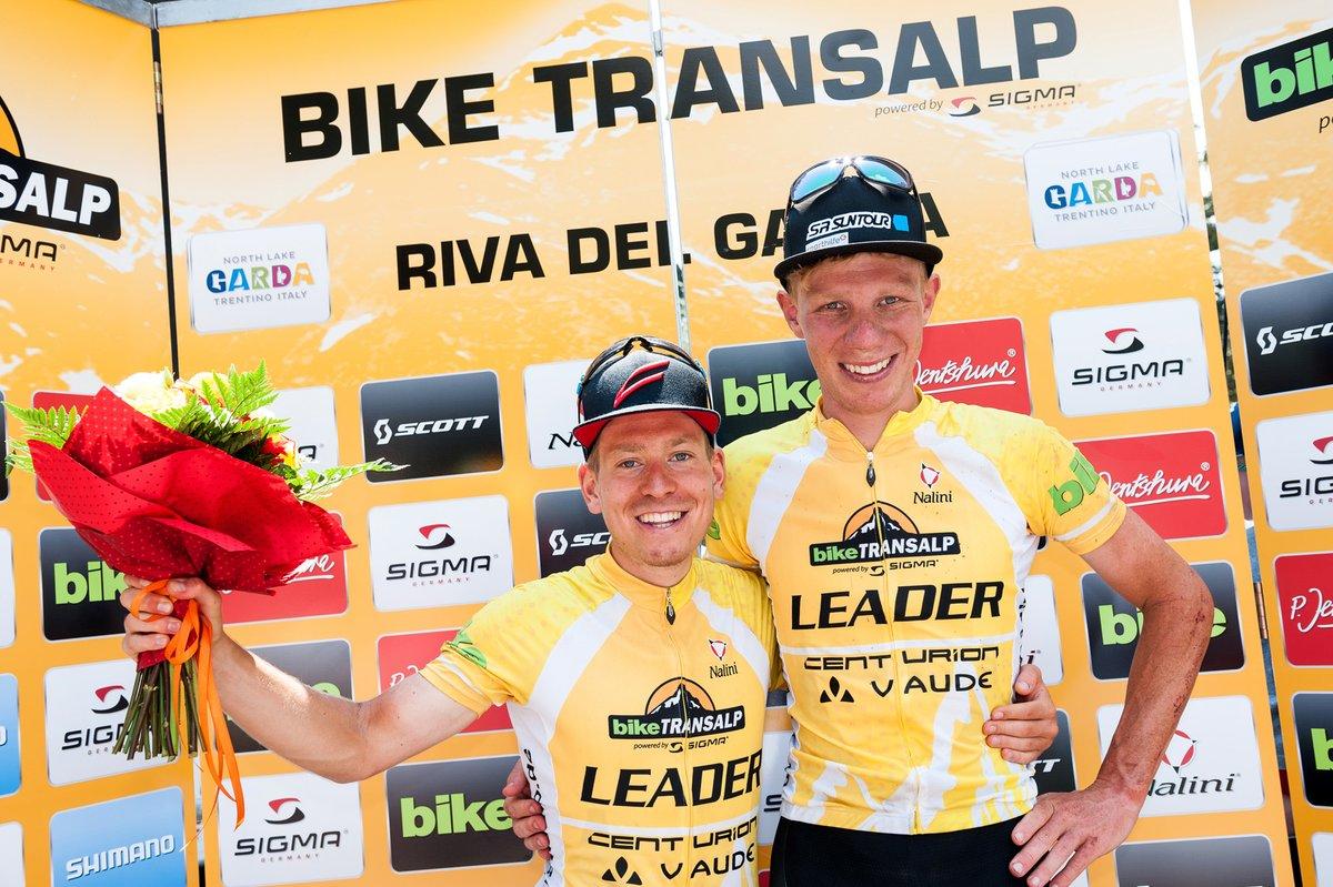 Daniel Geismayr ed Hermann Pernsteiner vincitori della Bike Transalp 2017