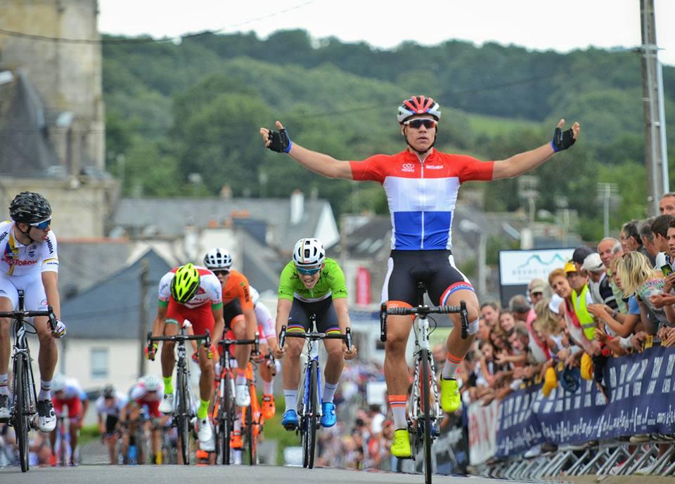 L'olandese Fabio Jakobsen vince la seconda tappa del Tour de l'Avenir 2017