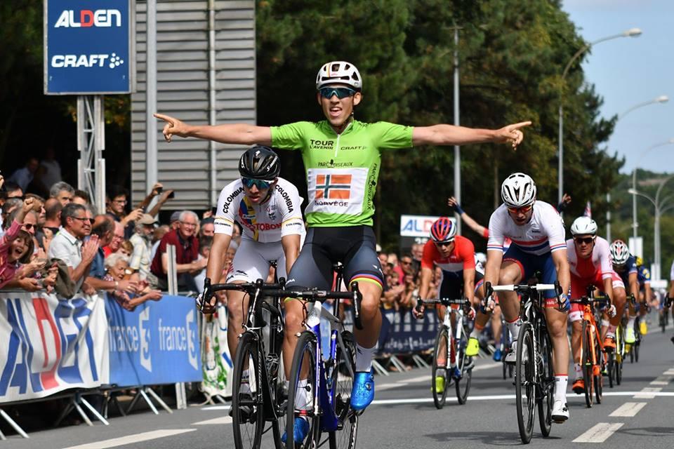 Kristoffer Halvorsen vince la terza tappa del Tour de l'Avenir 2017