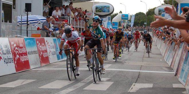 Elia Viviani vince la terza tappa del Tour du Poitou Charentes 2017