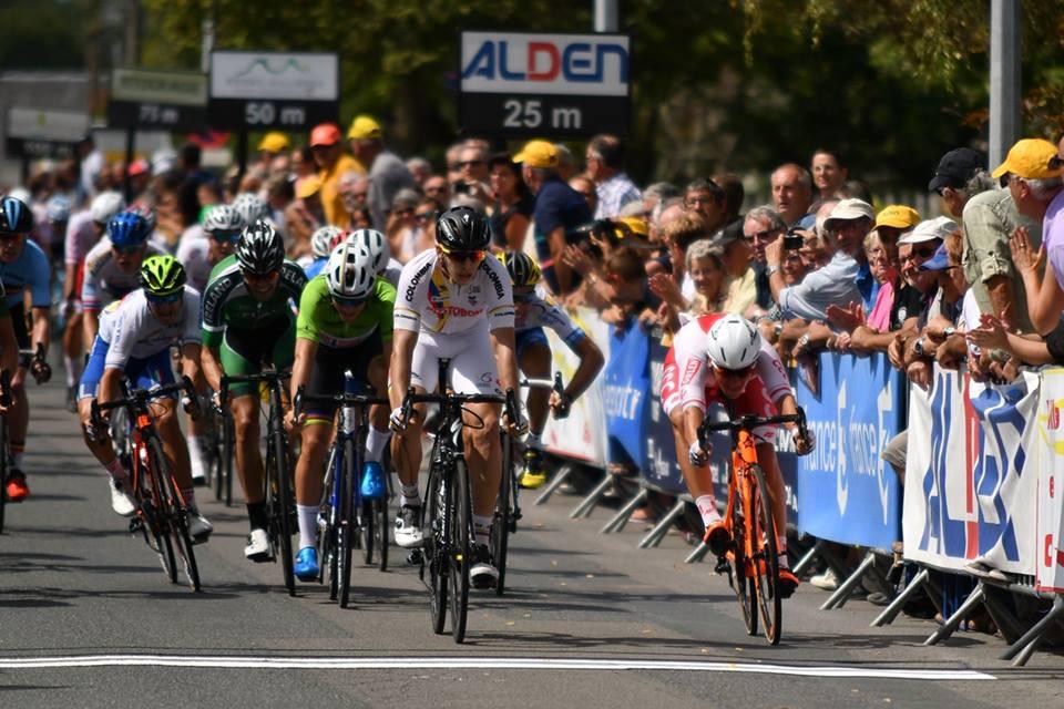 Alvaro Jose Hodeg vince la sesta tappa del Tour de l'Avenir