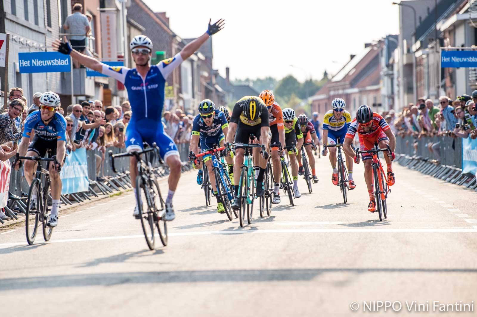 Iljo Keisse vince la Omloop Mandel-Leie-Schelde Meulebeke