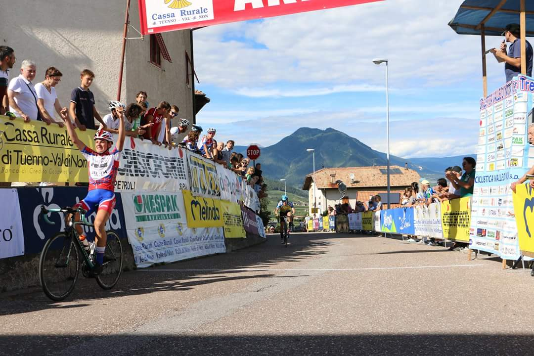 Walter Calzoni vince a Mechel di Cles
