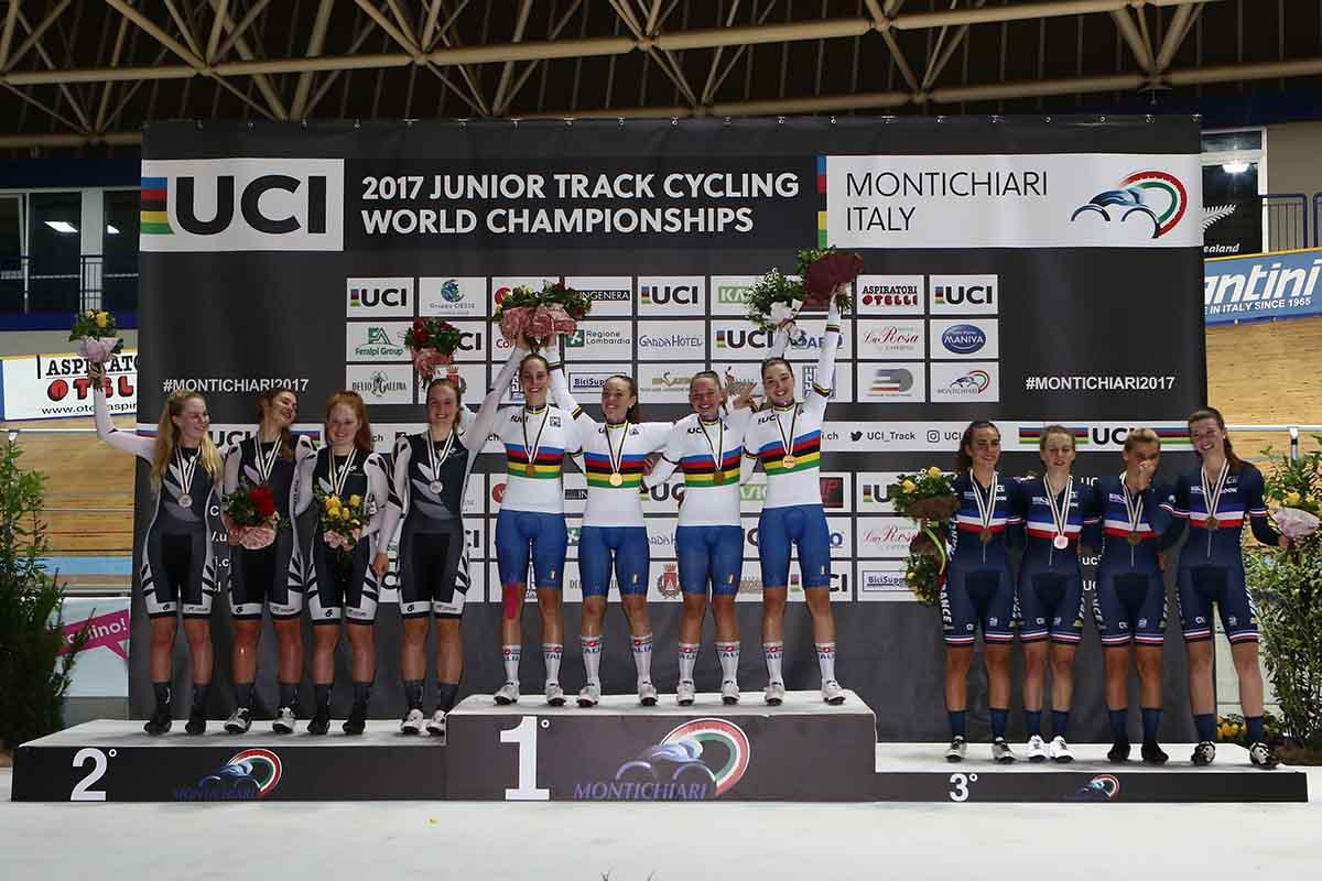 Il podio del Mondiale Inseguimento a squadre Donne Junior