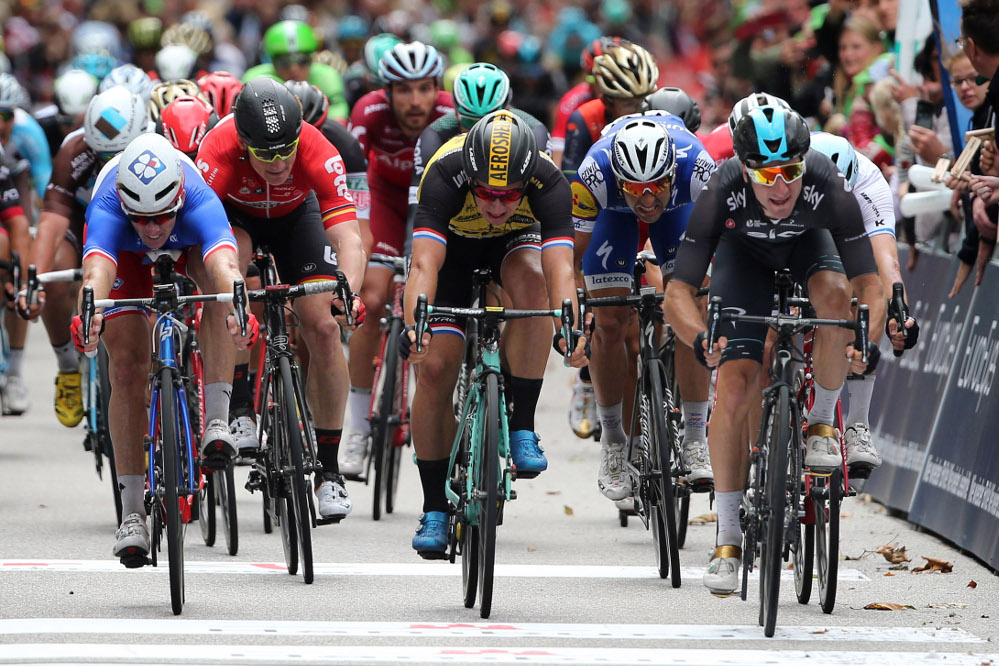 Elia Viviani vince il 22°EuroEyesCyclassics Hamburg