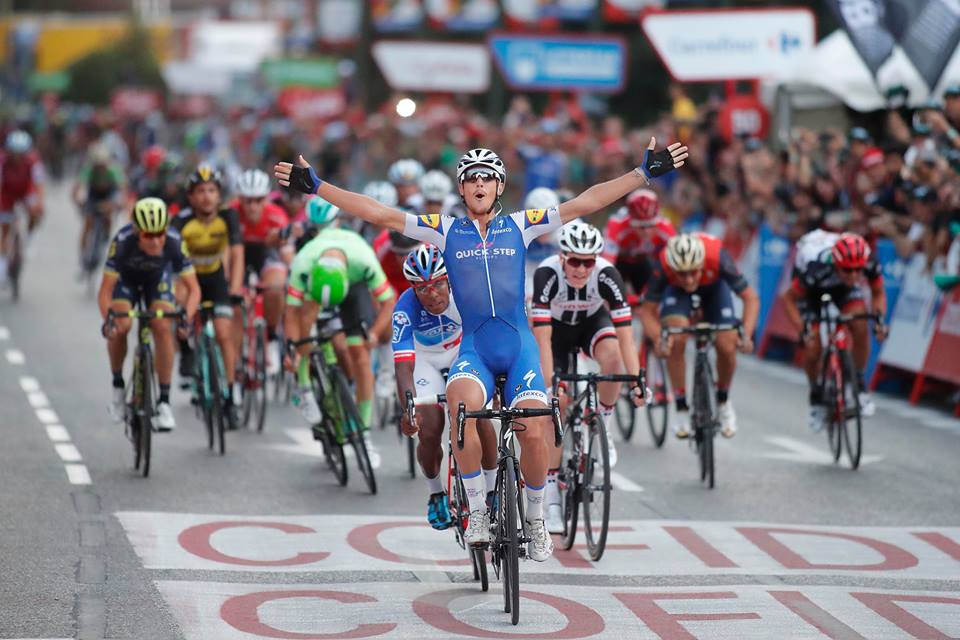Matteo Trentin vince l'ultima tappa della Vuelta 2017 a Madrid