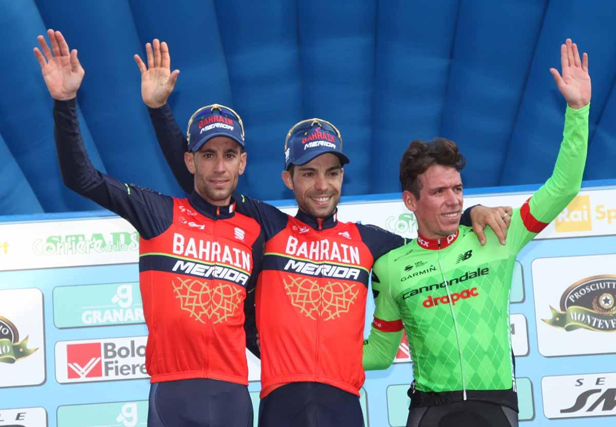 Il podio del 100° Giro dell'Emilia vinto da Giovanni Visconti