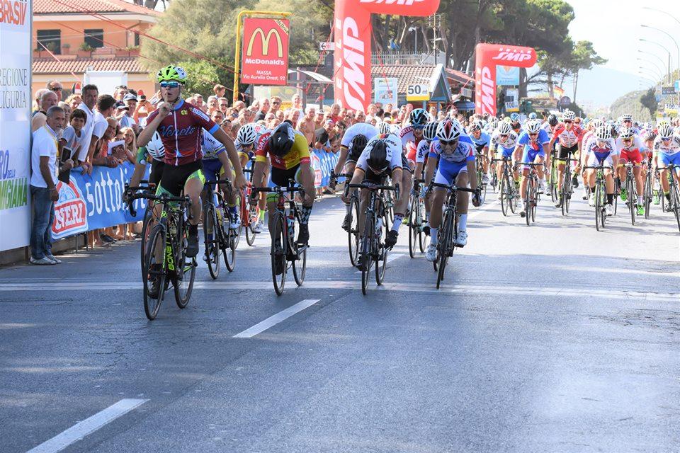Lorenzo Giopp vince la prima tappa del Giro della Lunigiana