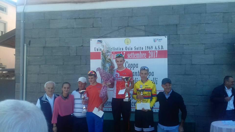 Il podio della gara Esordienti di Osio Sotto vinta da Manuel Tebaldi