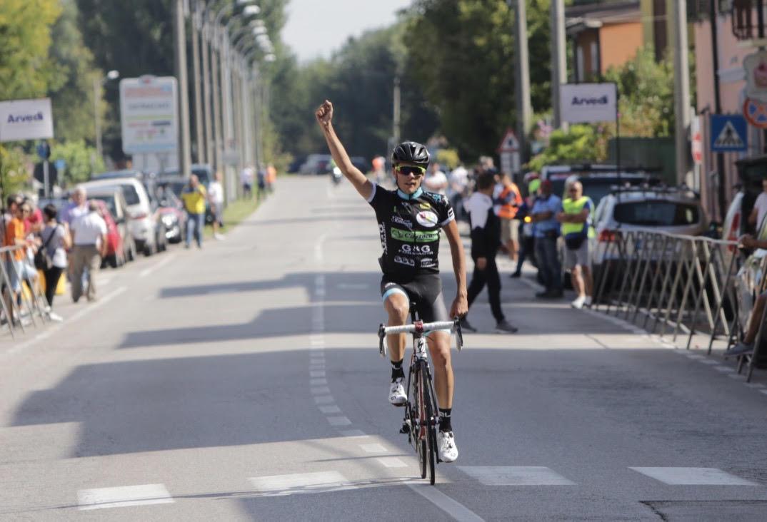 La vittoria di Davide Facchini a Persichello