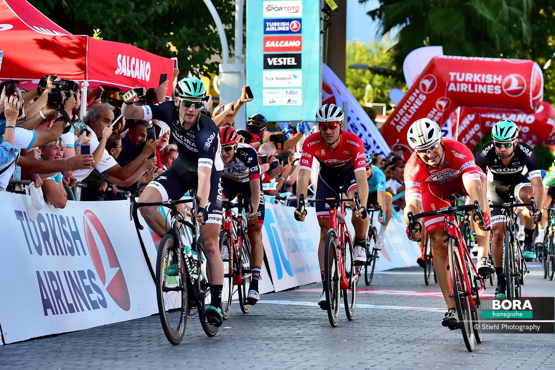 Sam Bennett vince la prima tappa del Giro di Turchia 2017