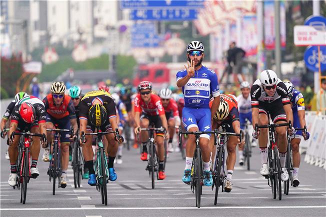 Fernando Gaviria vince l'ultima tappa del Tour of Guangxi 2017