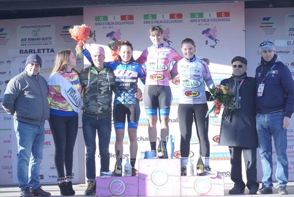 Il podio Open femminile dell'ultima prova del Giro d'Italia Ciclocross a Barletta