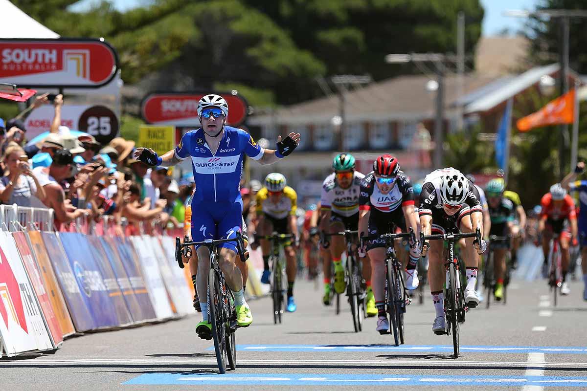 Elia Viviani vince la terza tappa del Tour Down Under 2018