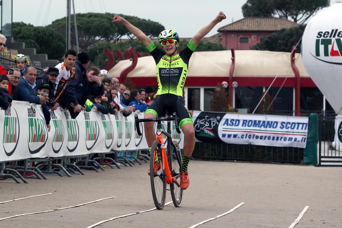 La vittoria di Ettore Loconsolo nel Campionato Italiano Ciclocross Allievi 1° anno