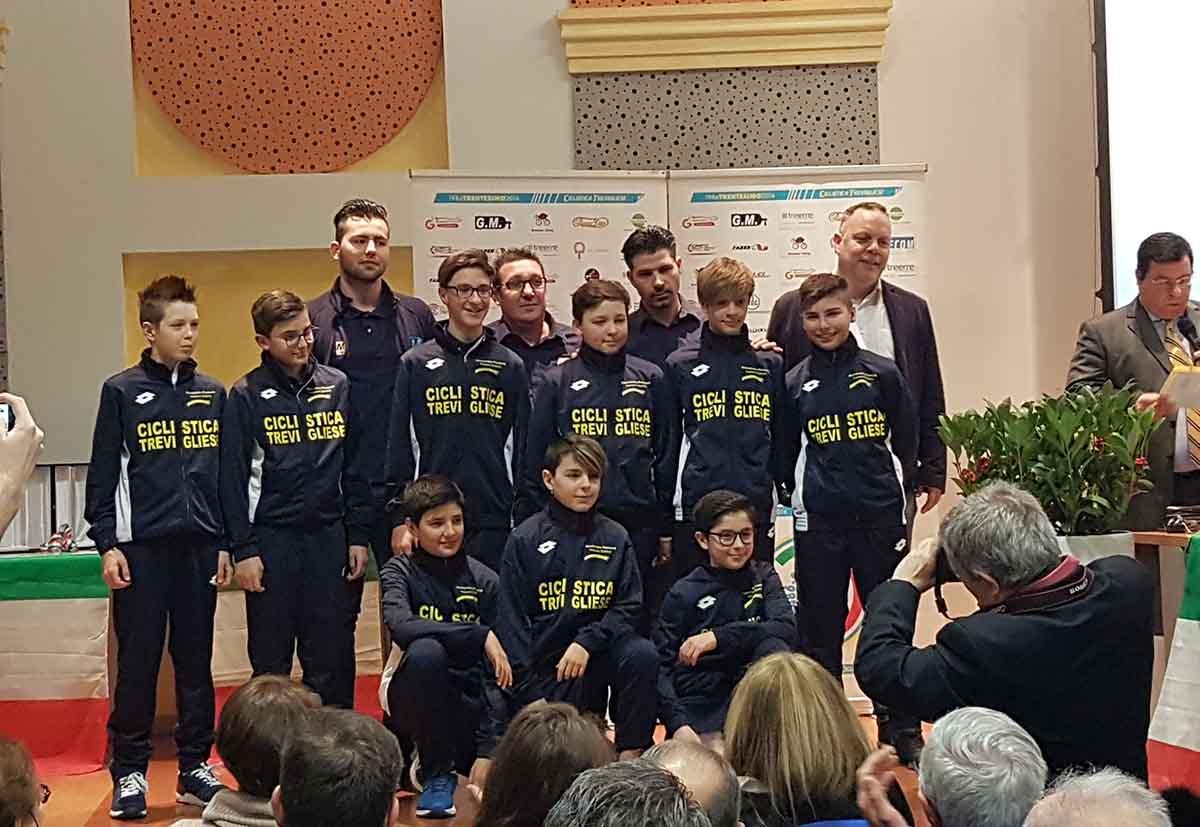 La squadra Esordienti 2018 della Ciclistica Trevigliese
