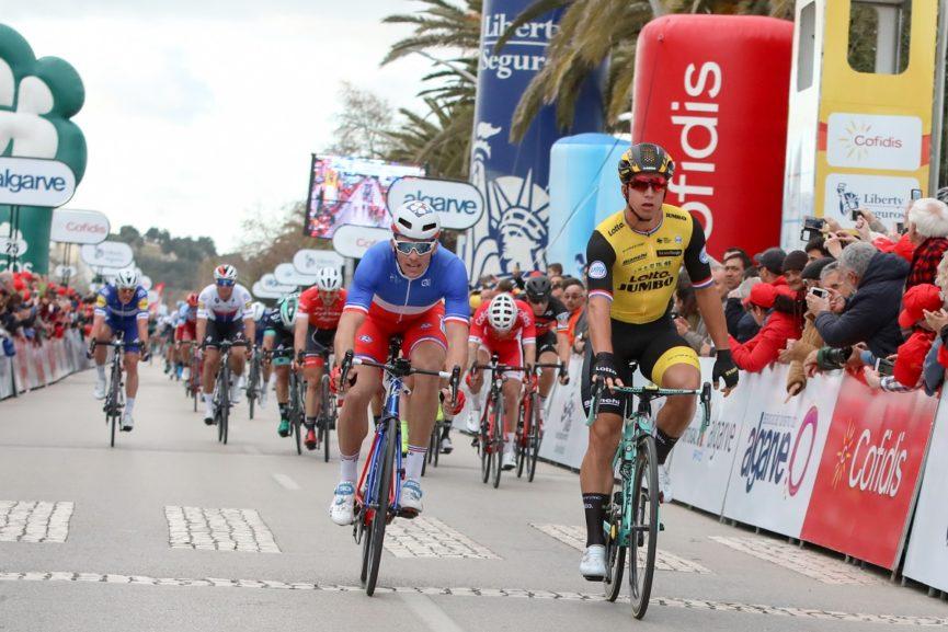 Dylan Groenewegen vince la prima tappa della Volta ao Algarve