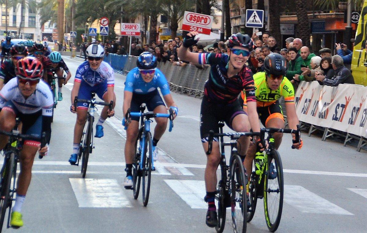 Hannah Barnes vince la prima tappa della Setmana Ciclista Valenciana 2018