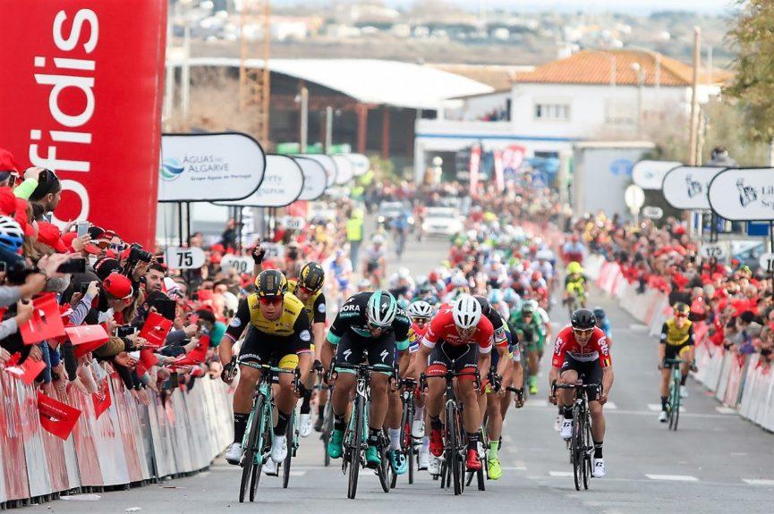 Dylan Groenewegen vince la quarta tappa della Volta ao Algarve